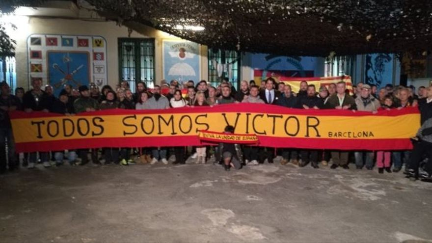 Concentración de la Hermandad de Antiguos Caballeros Legionarios de Barcelona en homenaje a Víctor Laínez