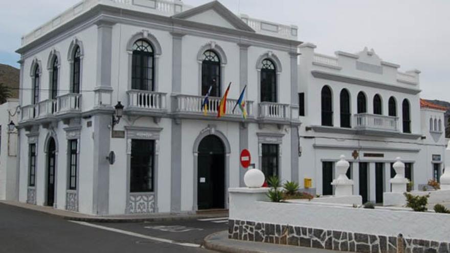 Sede del Ayuntamiento de Haría, el único que no debe nada a los bancos.