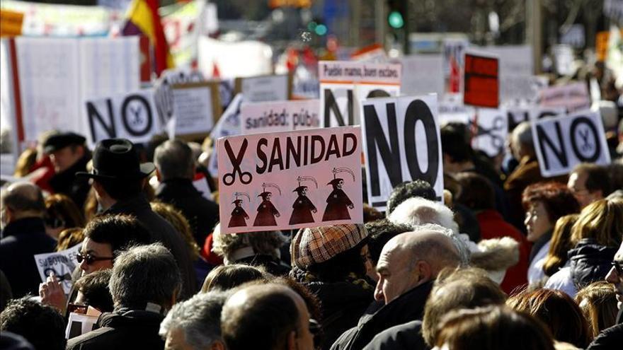 """IU pide que sigan las movilizaciones sociales ante la """"grave"""" crisis del PP"""