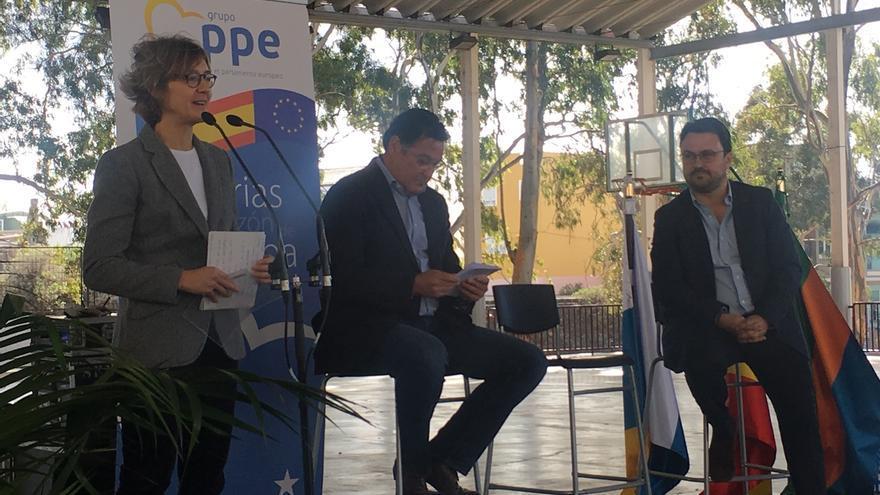 """García Tejerina afirma que los PGE son """"fundamentales"""" para dar estabilidad a España"""
