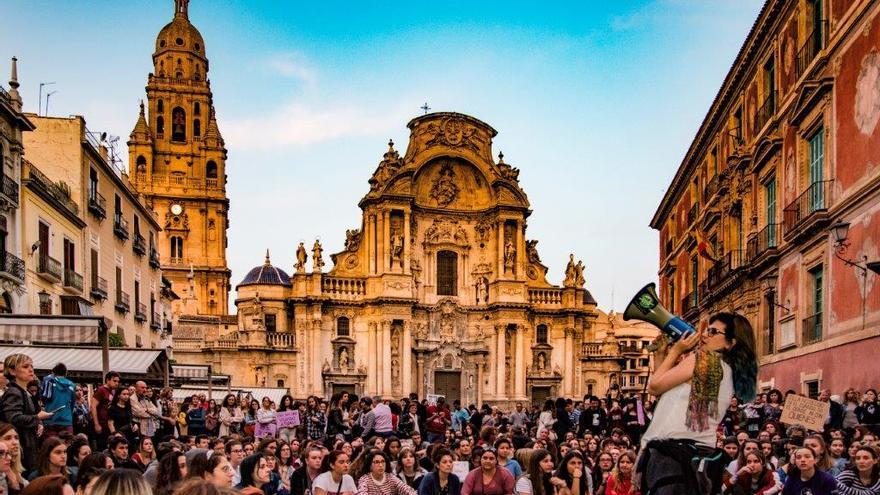 Concentración en la plaza Belluga (Murcia) contra la sentencia de La Manada/ CARLOS TRENOR