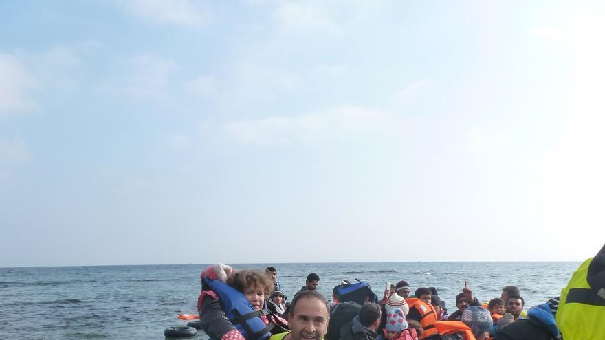 Sólo después del rescate Ghias se dio cuenta de que esta niña era Sirin, su sobrina de tres años © Particular