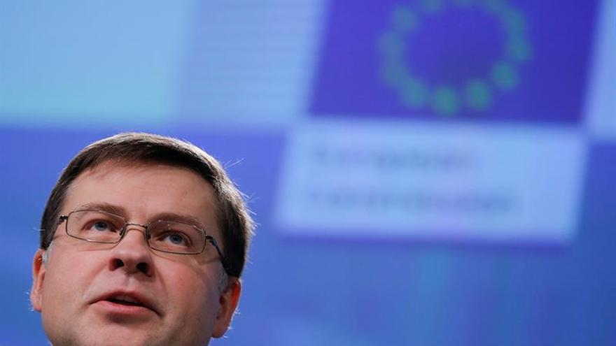"""La CE pide una unión de mercados de capitales más ambiciosa tras el """"brexit"""""""