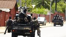 Excombatientes disparan al aire y cortan calles en Costa de Marfil