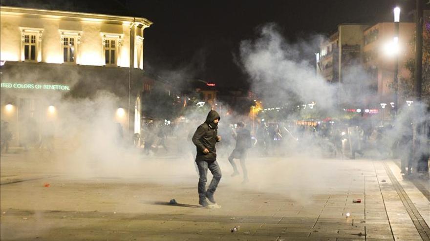 Diez detenidos en Kosovo tras choques entre la oposición nacionalista y la policía