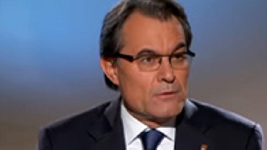 La entrevista a Artur Mas en TV3 gana la batalla social a 'El tiempo entre costuras'