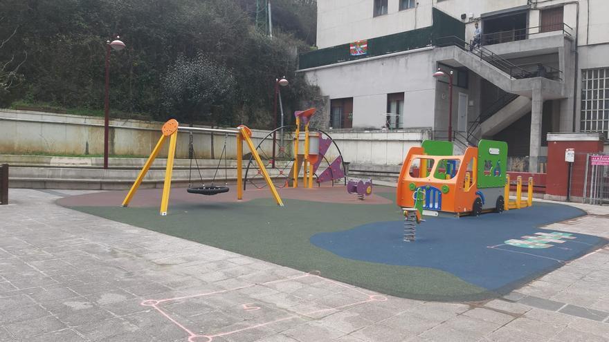Imagen de un parque de Ermua la tarde del martes