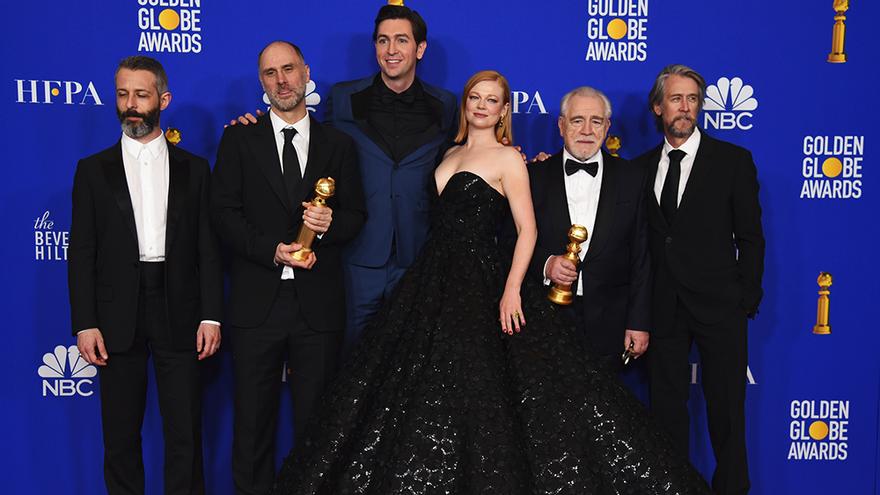 El equipo de 'Succession', ganadora a Mejor serie de drama en los Globos de Oro 2020
