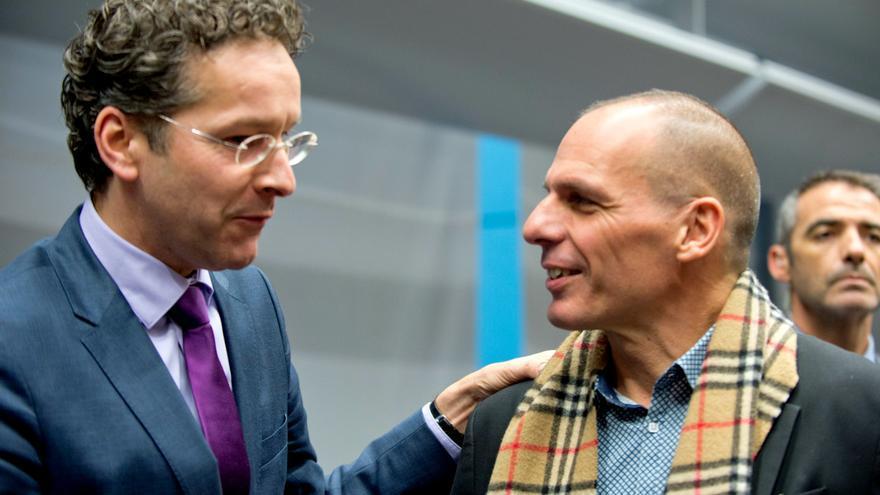 Yanis Varoufakis y Jeroen Dijsselbloem, presidente del Eurogrupo, en febrero de 2015. CONSEJO EUROPEO