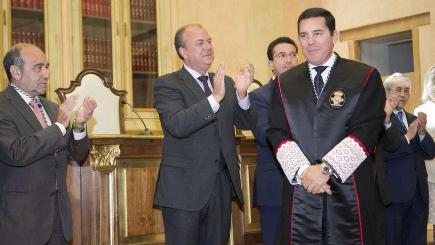 Toma de posesión de Pedro Tomás Nevado-Batalla como nuevo presidente del Consejo Consultivo de Extremadura / http://www.gobex.es
