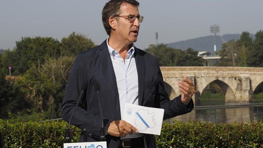 """Feijóo señala que Galicia quiere """"seguir al margen del bloqueo"""" de España"""