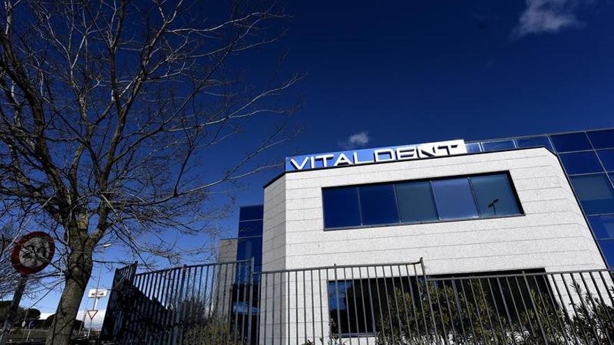 El dueño de Vitaldent tenía que declarar mañana por demanda de intrusismo