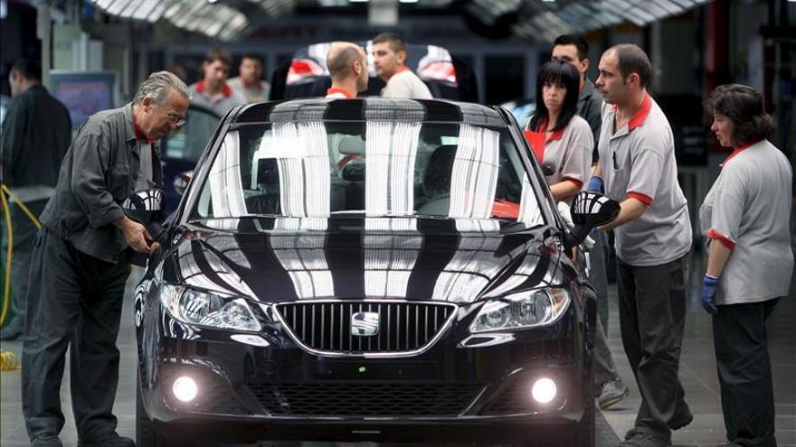 La producción industrial cae el 0,3 % en octubre, tras ocho meses de aumentos