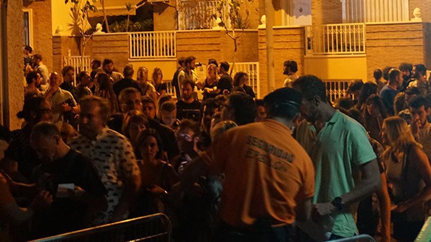 Colas a la entrada del festival