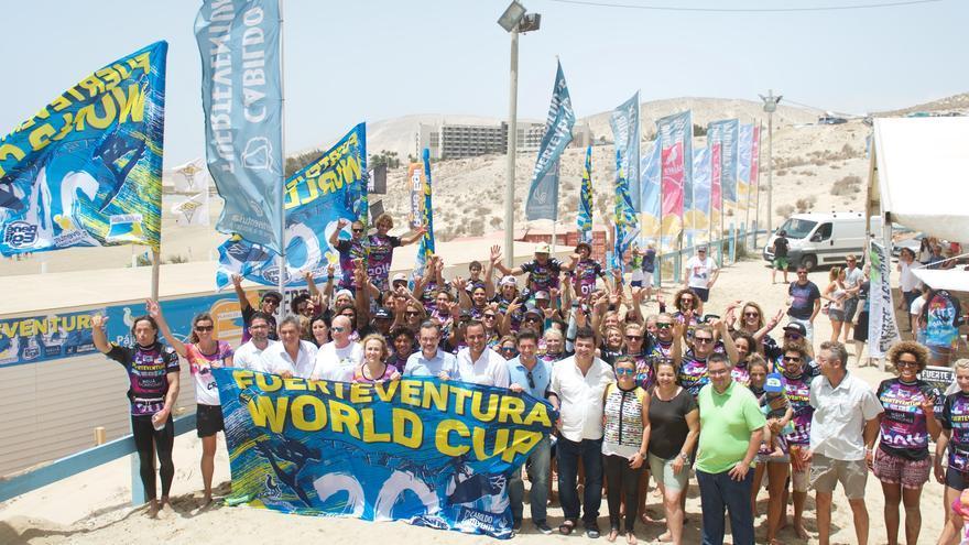 Inaugurado el XXXI Campeonato del Mundo de Windsurfing y Kiteboarding de Fuerteventura 2016