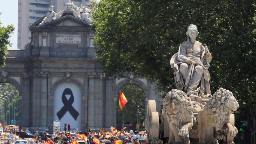 Denuncian ataques a periodistas cuando cubrían la protesta de Vox en Madrid