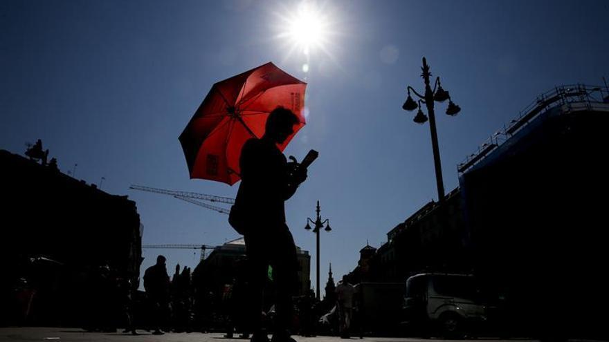 El calor aprieta con fuerza con máximas que oscilarán entre 36 y 40 grados