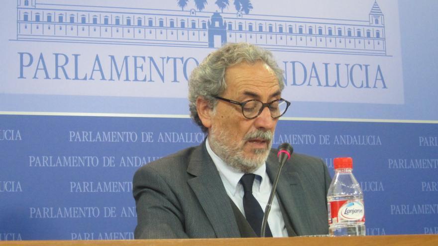"""Chamizo recuerda que el Defensor es, """"por ley"""", el garante del cumplimiento de derechos sociales, """"sin recibir órdenes"""""""