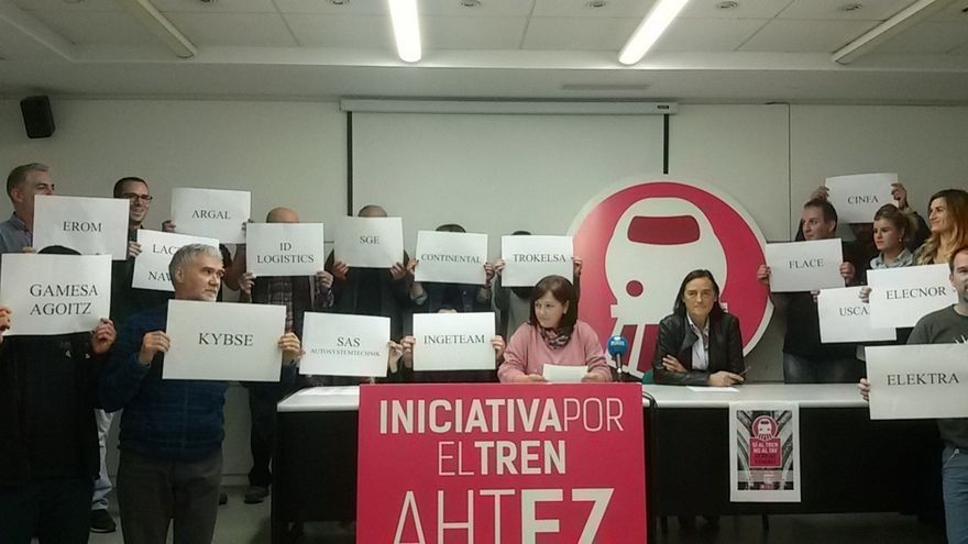 Sindicatos y comités de empresa anuncian una manifestación contra el TAV el próximo 11 de noviembre en Pamplona