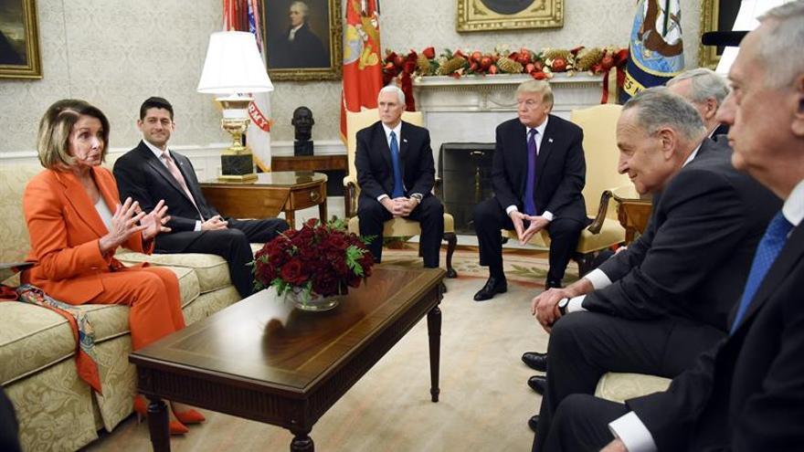 Trump negocia con los demócratas para evitar un cierre parcial del Gobierno