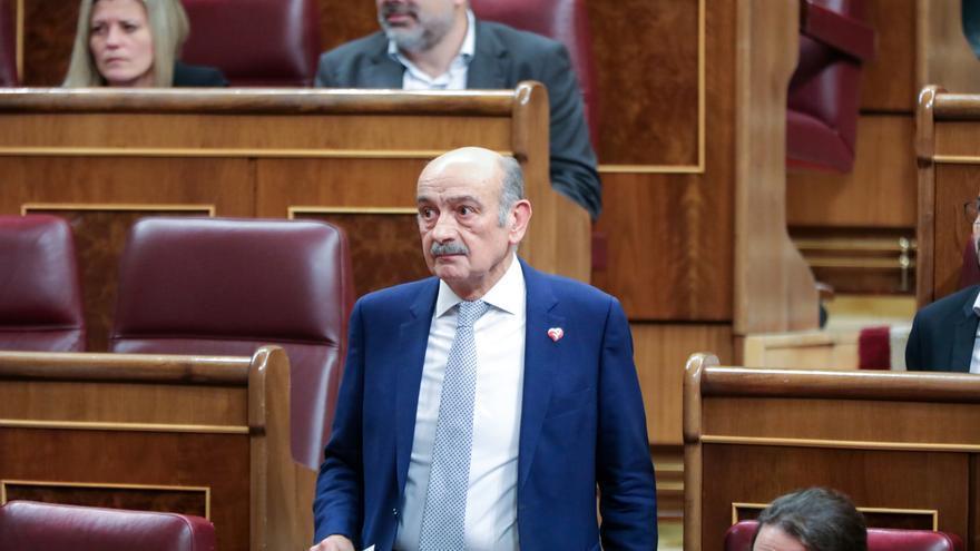 Mazón materializa en la primera votación de la investidura el 'no' del PRC a Sánchez, que deberá esperar al día 7