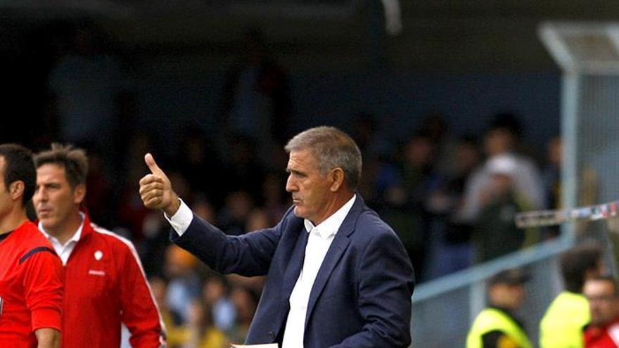 El entrenador del Las Palmas Paco Herrera. EFE/ Salvador Sas