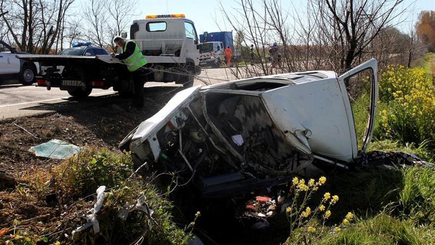 Dos de cada 3 muertos en accidente de tráfico, en carreteras convencionales