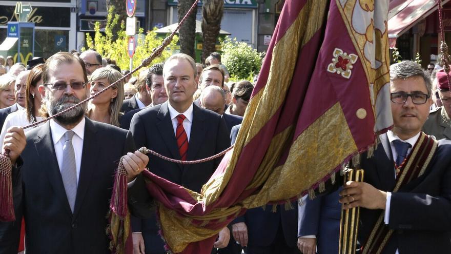 Fabra procesión cívica