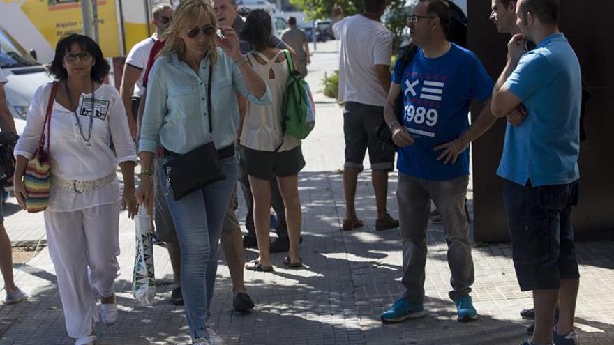 Comienza la asamblea que tiene que decidir si se evita la huelga en El Prat