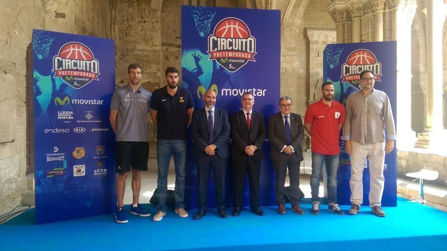 Foto de familia del Circuito de Pretemporada Movista Liga Endesa.