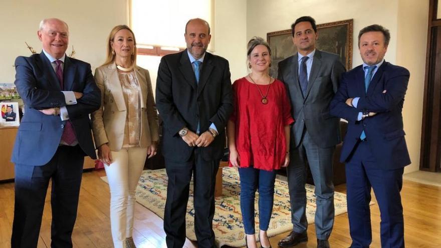 Reunión entre el Gobierno regional y los colegios de abogados