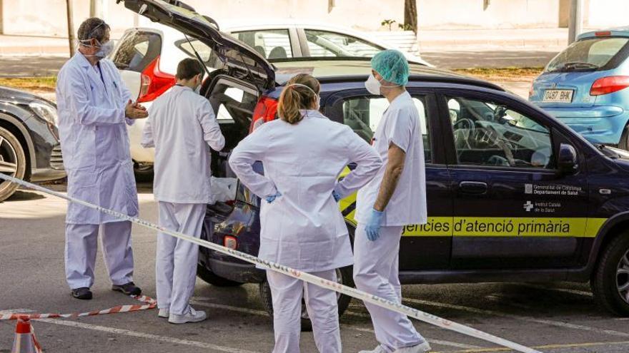 Primeros traslados de pacientes a hoteles medicalizados en Barcelona