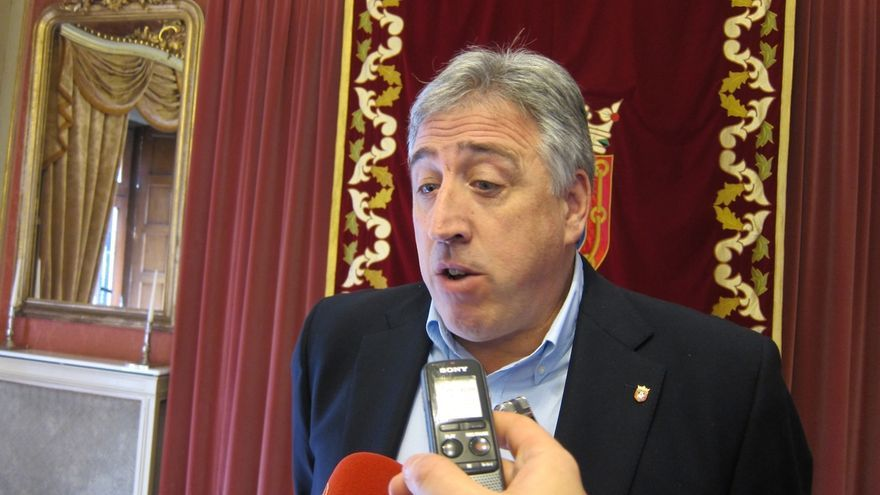 """Asiron afirma que la Ley de Símbolos """"fue creada de forma explícita para perseguir la ikurriña en Navarra"""""""