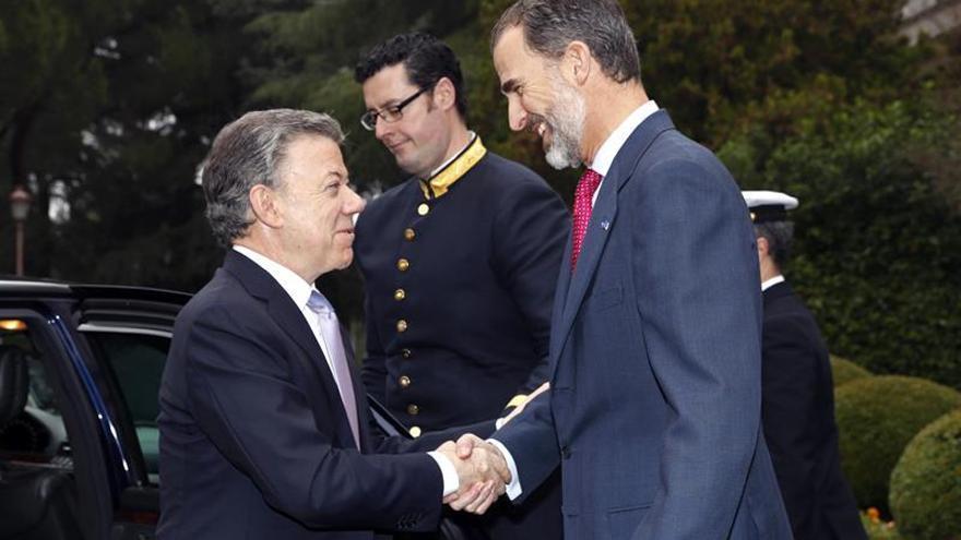 Felipe VI ofrece un almuerzo privado a Santos en su visita a España