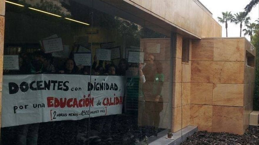 Imagen de archivo de un acto de protesta de docentes interinos
