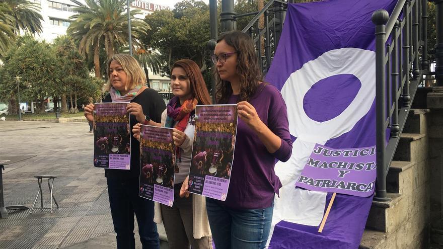 Concentración contra la violencia machista en la plaza de San Telmo de la capital grancanaria.