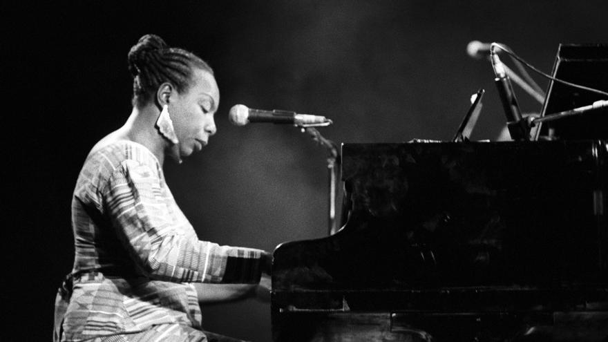 La solista californiana Nina Simone en un momento del concierto que ofreció en 1991 en el Festival de Jazz de San Sebastián