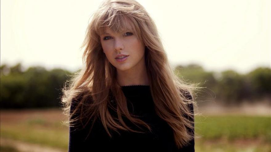 """Taylor Swift, una artista muy """"humana"""" que encuentra refugio en la música"""