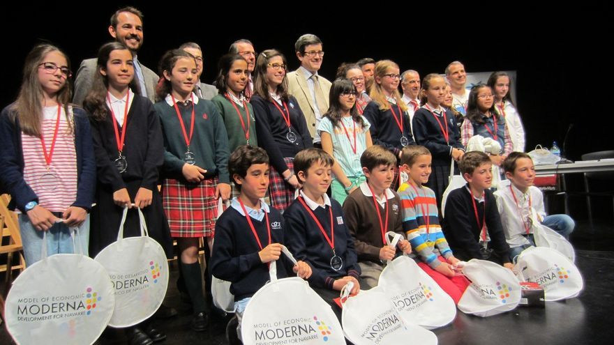 Un total de 17 colegios navarros participan en un concurso de deletreo de palabras en inglés