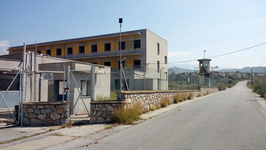 El Ayuntamiento de Motril mantiene que no dará licencia de obras a Interior para convertir el EVA-9 en un CIE