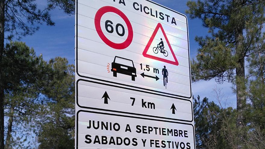 Señal de carretera de ruta ciclista segura. / Foto: DGT