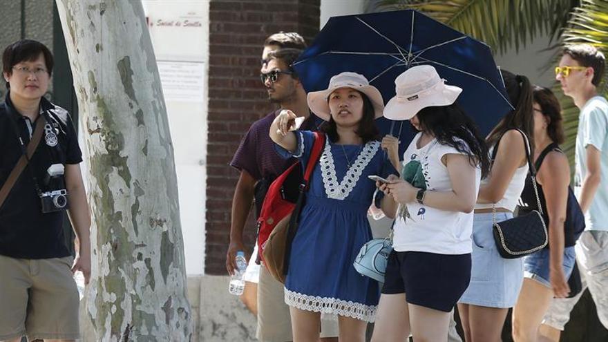 Varias autonomías defienden estrategia turística frente a los alojamientos ilegales