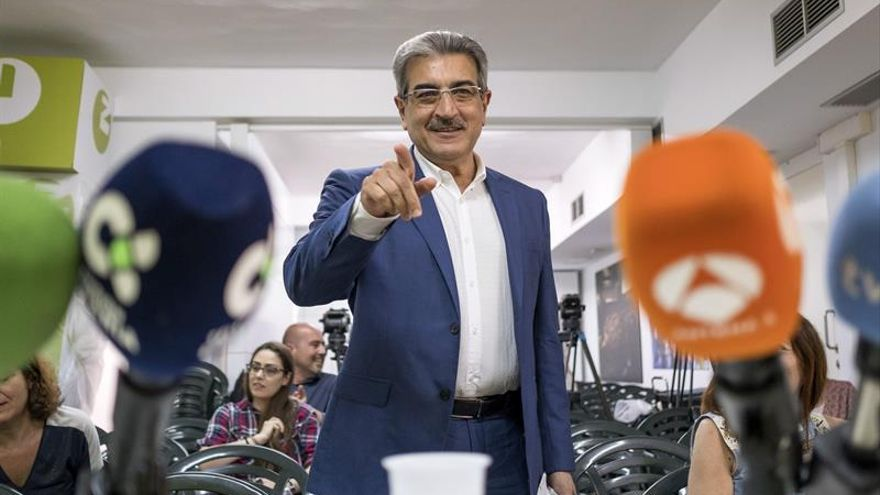 El presidente de Nueva Canarias (NC), Román Rodríguez. EFE/Ángel Medina G.