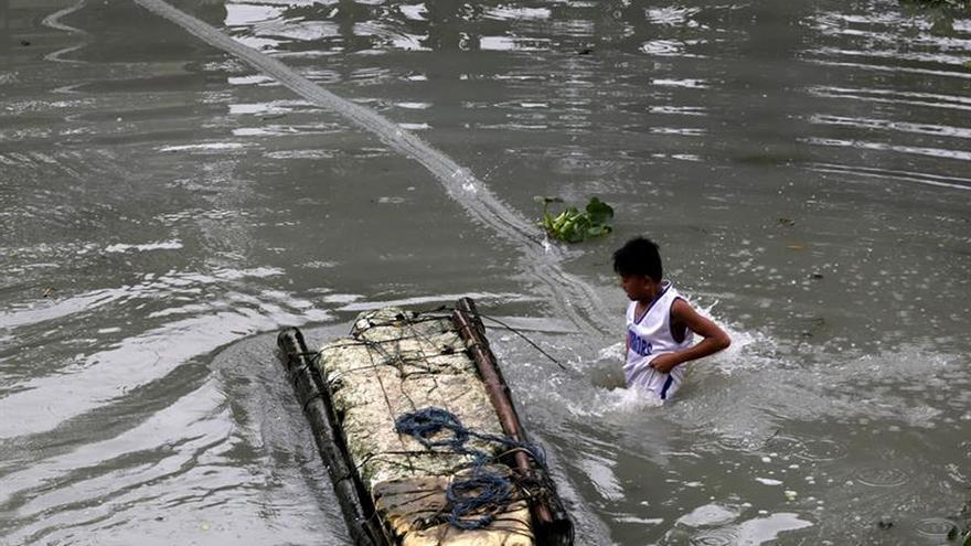 Al menos 126 muertos por la tormenta Tembin en el sur de Filipinas