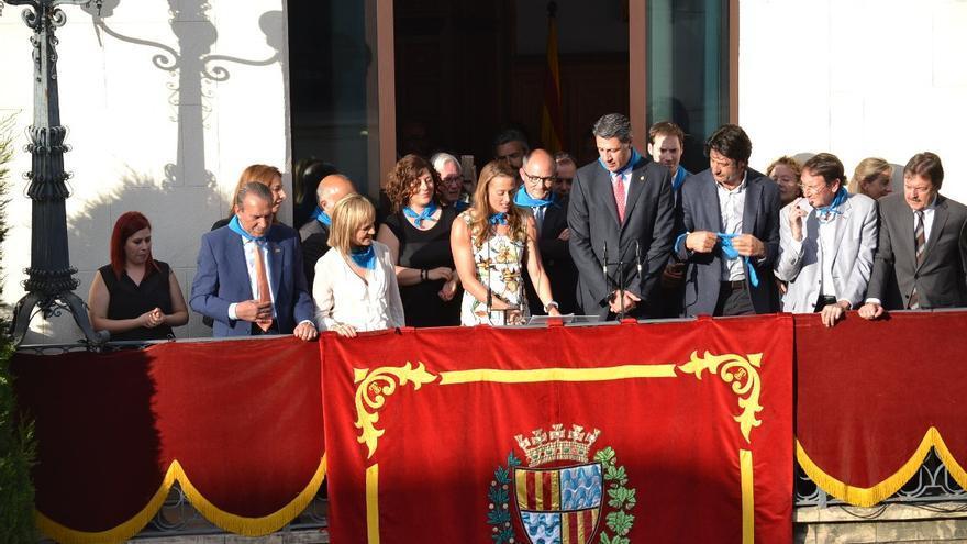 Albiol y Villacampa, durante el pregón de las fiestas de Badalona en mayo de 2014.