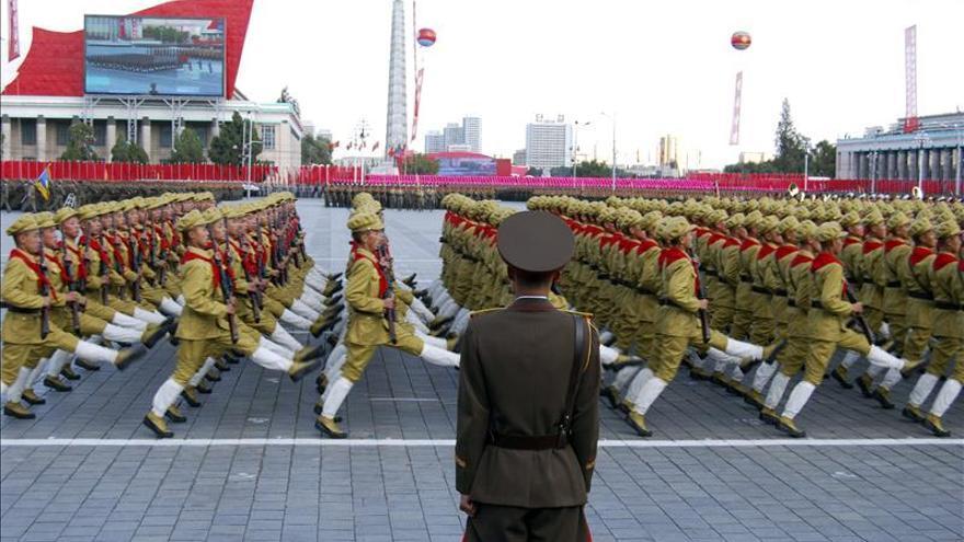 Corea del Norte homenajea con un desfile a los científicos de la prueba nuclear