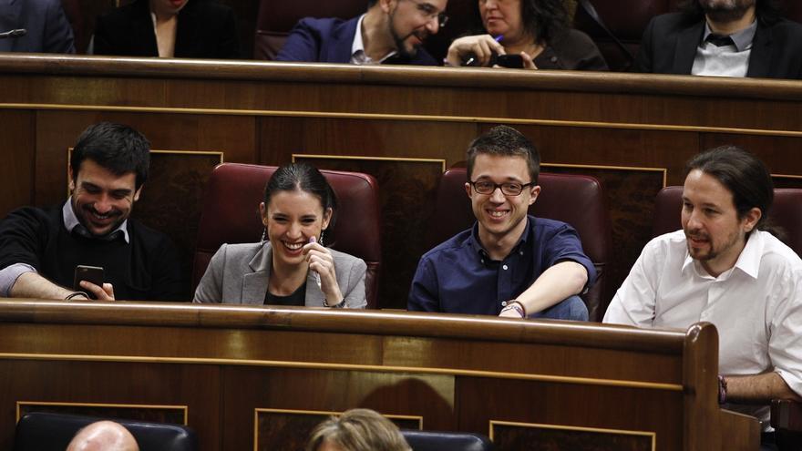 """La dirección de Podemos cierra filas con Espinar y denuncia un ataque de la """"máquina del fango"""""""