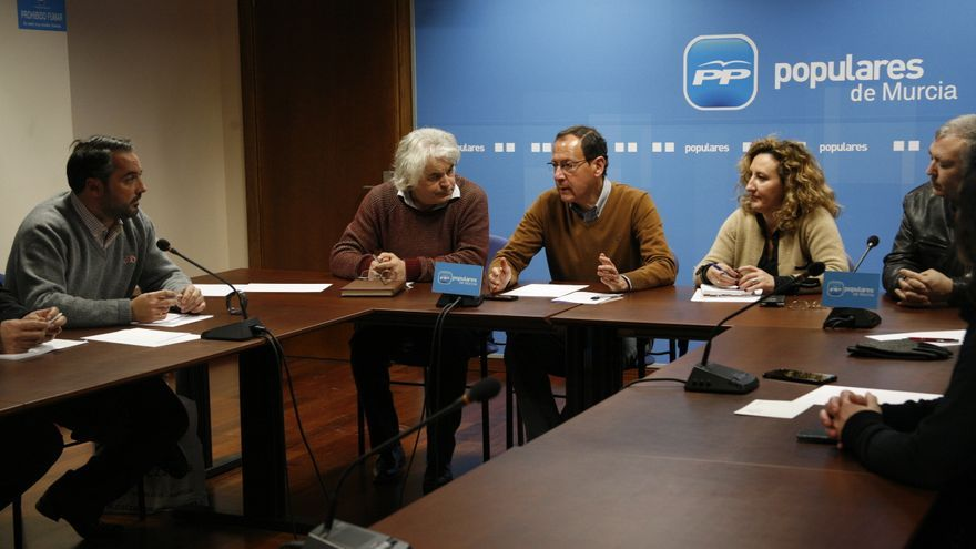 El alcalde de Murcia con la Comisión Electoral del municipio