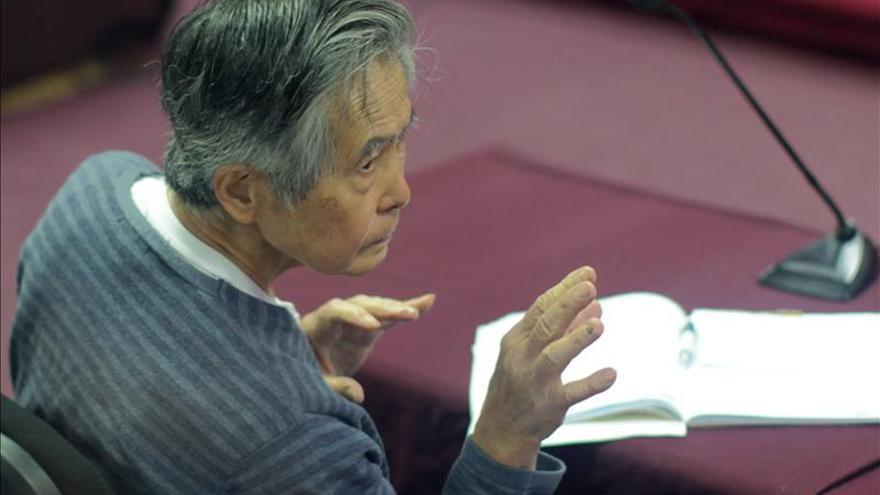 Exjefe militar reconoce que desvió fondos estatales para la reelección de Fujimori