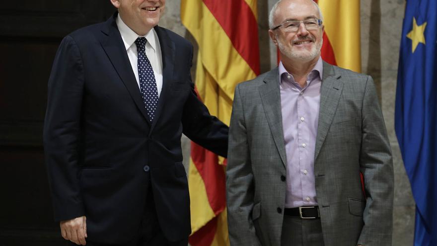 El president de la Generalitat, Ximo Puig, junto al síndic de Podemos, Antonio Montiel